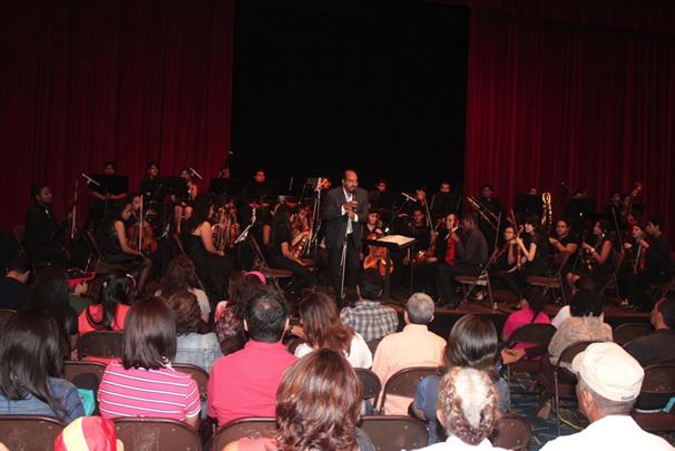INAC- Presentacion de la Orquesta Juvenil de la Escuela de Musica del INAC en la Decima Feria Internacional del Libro de Panama 2014